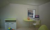 Svetla otroška soba za dva